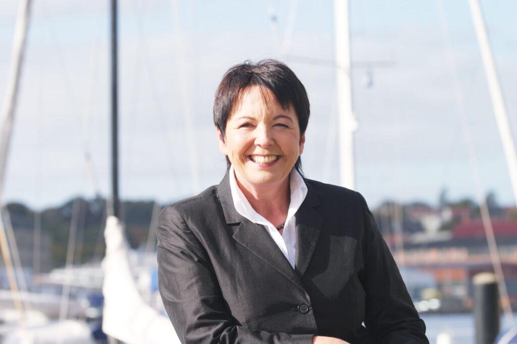 Dr. Köster Portraitbild am Hafen